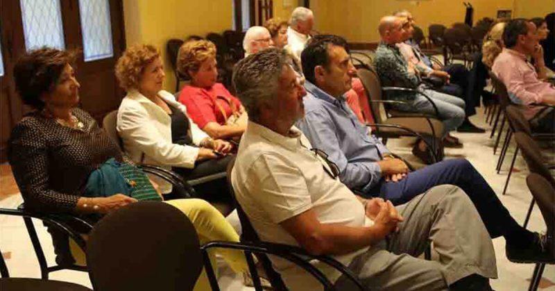 Fotos de la presentación de nuestro autor Javier Olabarrieta | Ediciones Albores